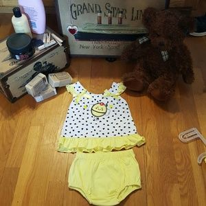 NWT 2 Piece Yellow Hearts Bee Dress & Diaper Cover